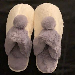 New woman's slipper 42 to 42